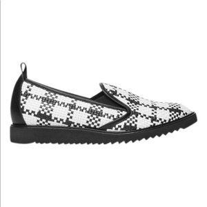 The Everlane Street Shoe - Black/White - Size 9